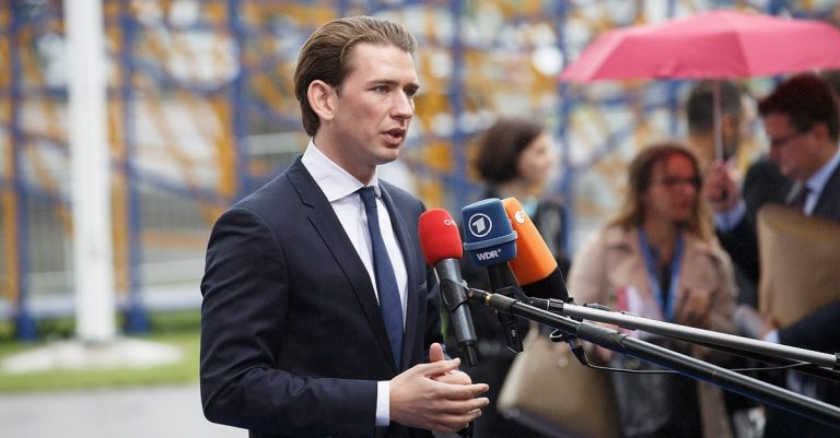 "<p>Bild: flickr;<br /> EU2017EE Estonian Presidency- <a href=""https://www.flickr.com/photos/eu2017ee/37082293705"">Sebastian Kurz</a> <a href=""https://creativecommons.org/licenses/by/2.0/"">[CC BY 2.0]</a></p>"