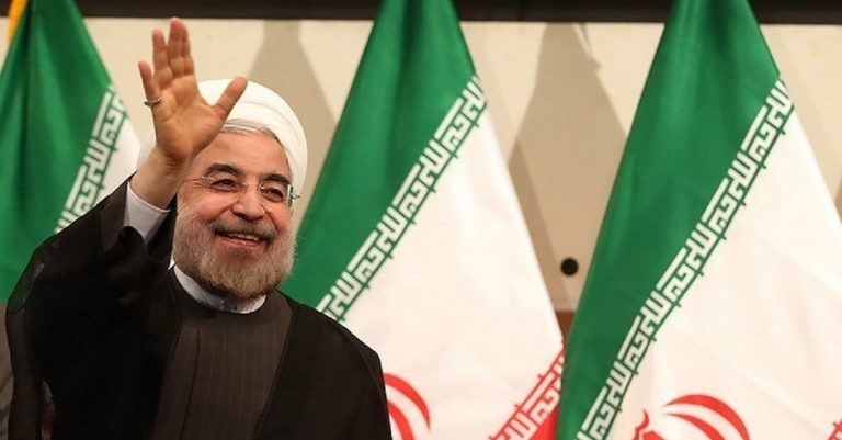 """<p>Symbolbild: Tasnim News Agency [<a href=""""https://creativecommons.org/licenses/by/4.0"""">CC BY 4.0</a>], <a href=""""https://commons.wikimedia.org/wiki/File:Hassan_Rouhani_press_conference_after_his_election_as_president_14.jpg"""">via Wikimedia Commons</a></p>"""