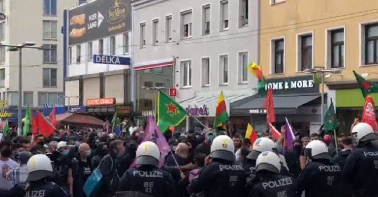 <p>Kundgebung in Wien-Favoriten. Bild: Screenshot YouTube / FPÖ-TV</p>